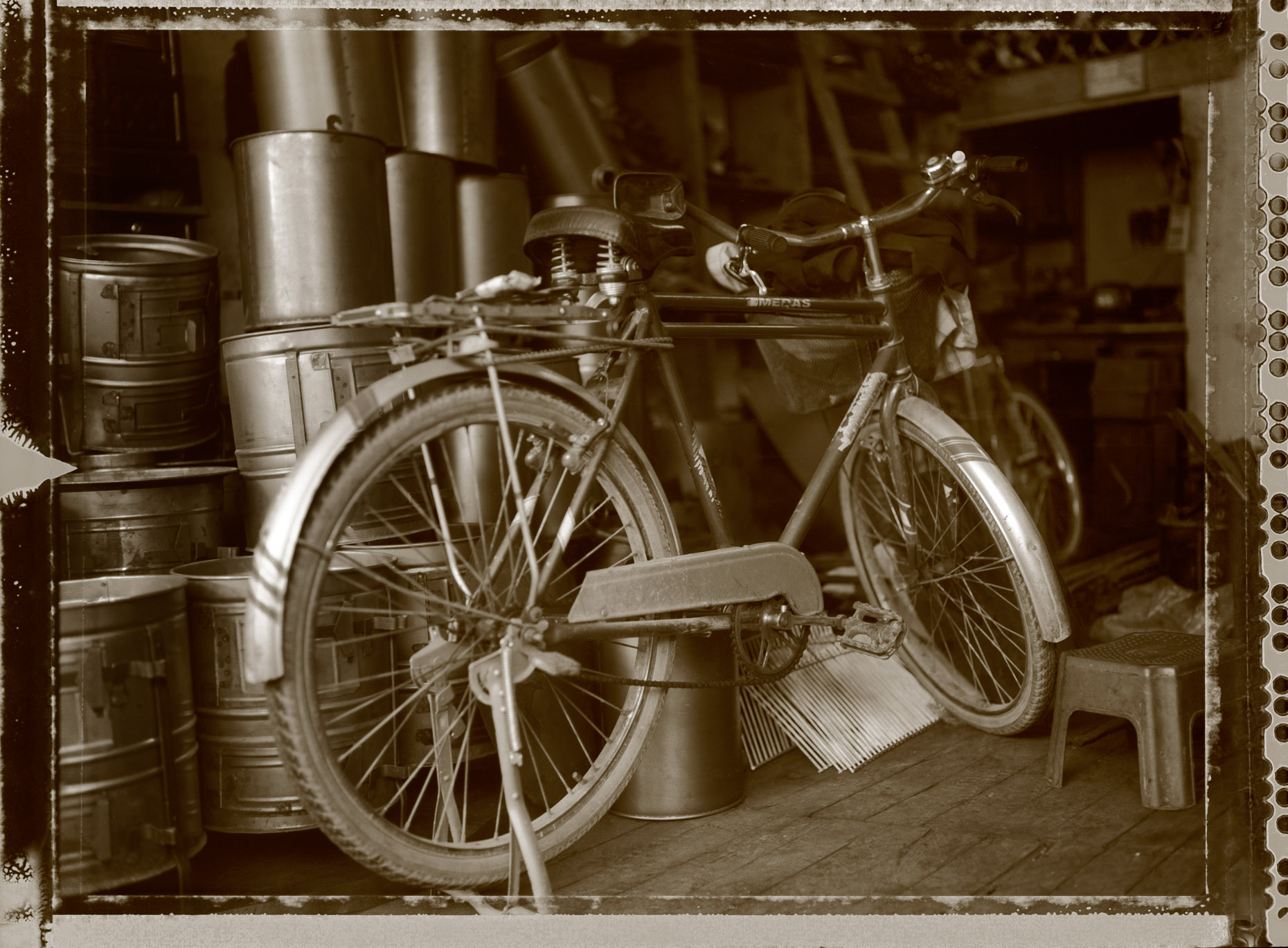 Photo  of bicycle in open market  in Konya, Turkey.