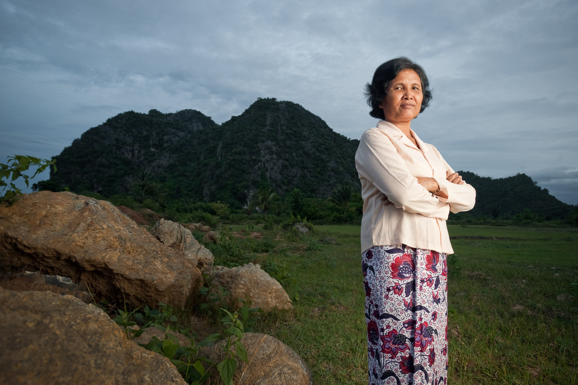 Environmental portrait of Khmer Rouge survivor Prak Sinin