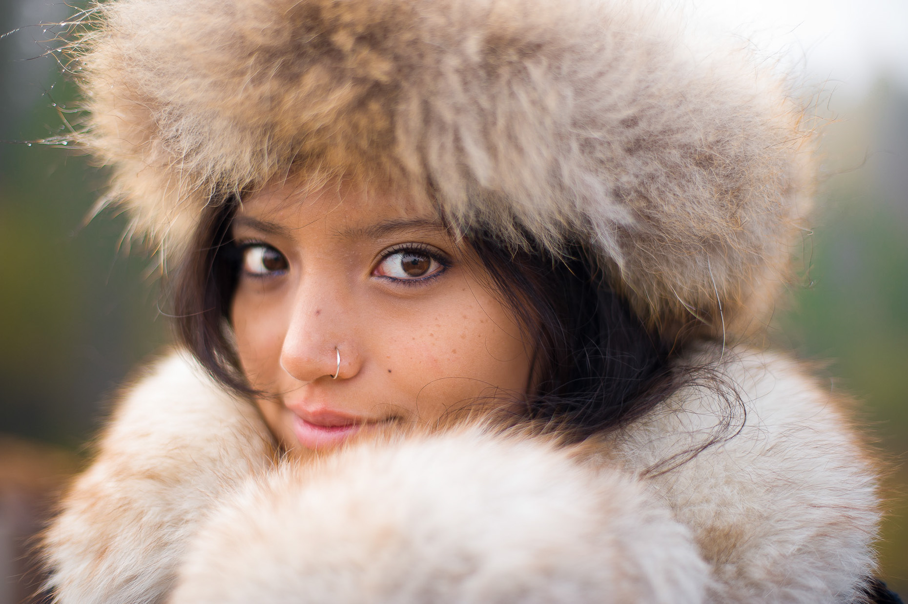 Outdoor fashion portrait of young woman