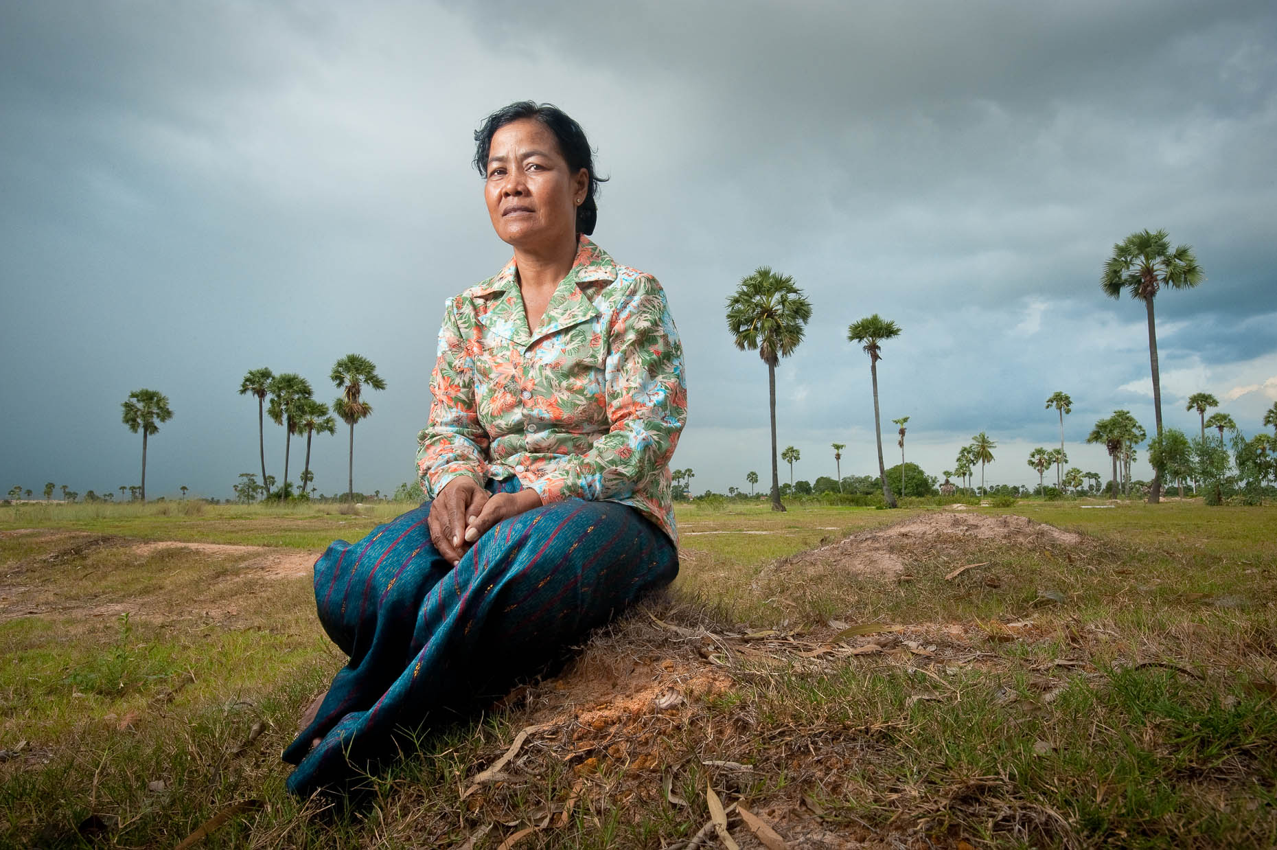 Environmental portrait of Khmer Rouge survivor Chin Meth